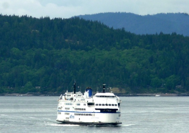 ferry-coming-in